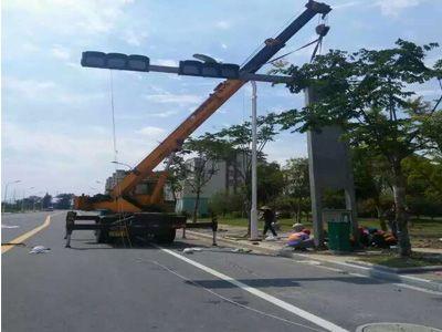 城市道路监控杆